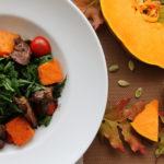 Салат з печеним гарбузом та курячою печінкою